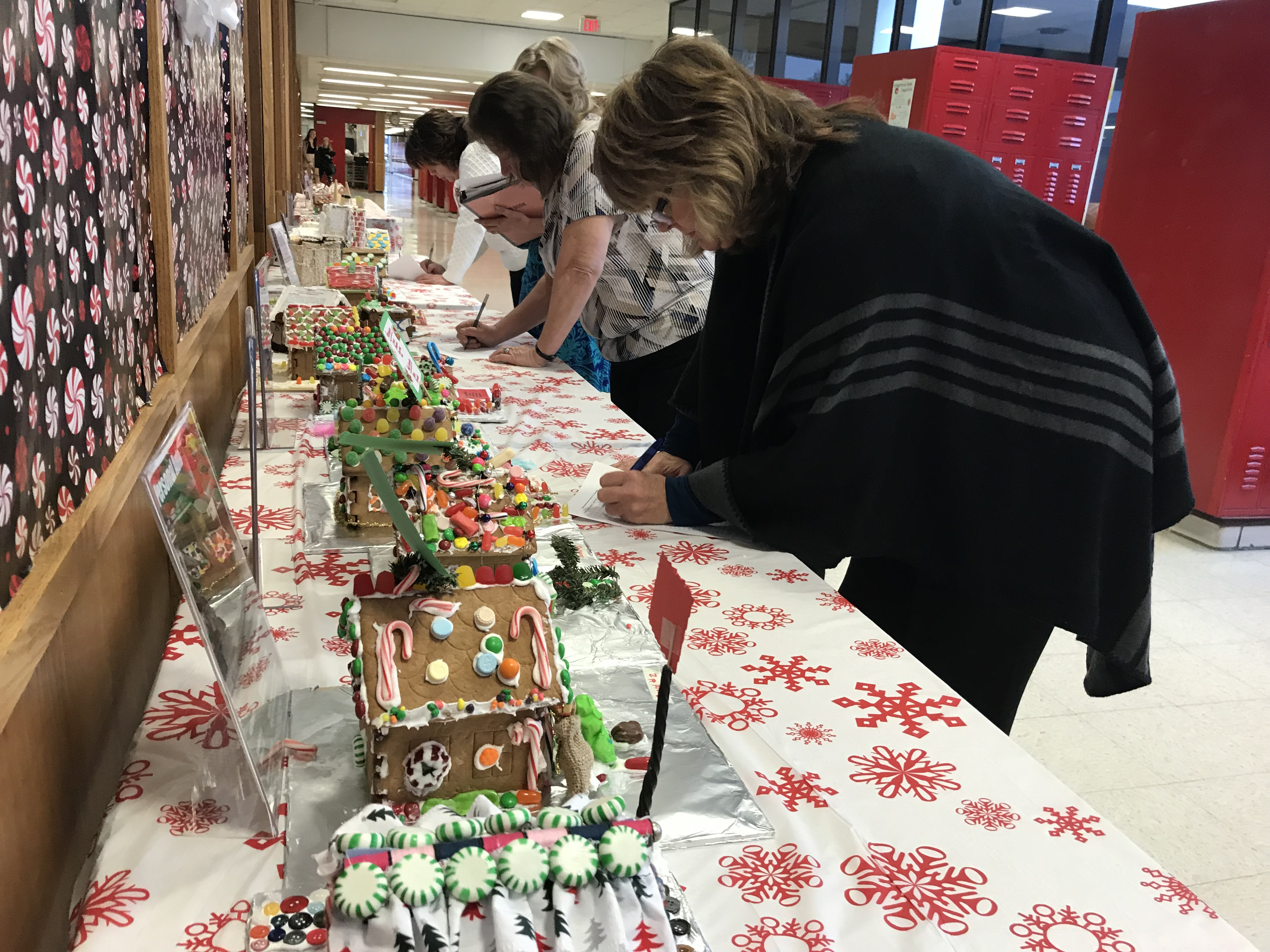 GingerbreadHouses2